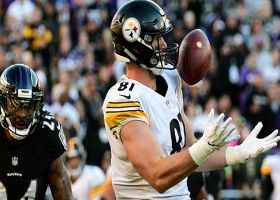 Jesse James hauls in bobbling catch for 51 yards