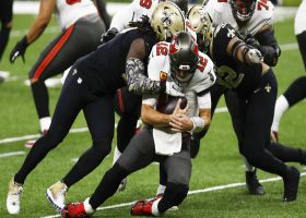 Davis, Davenport converge on Brady for third-down sack
