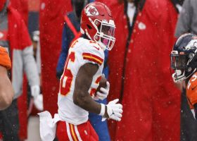 Le'Veon Bell's first touch with Chiefs goes for 16 yards