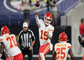 Mahomes escapes Ravens' pressure for third-down strike to Watkins