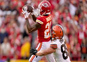 Can't-Miss Play: Mike Hughes' leaping INT seals Chiefs' win over Browns