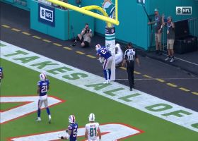 Fitzpatrick shows touch with critical two-point toss to Preston Williams