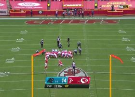 Harrison Butker perfectly slices 55-yard field goal through wind