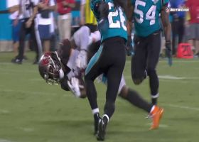 Peyton Barber finds gap for 16-yard TD