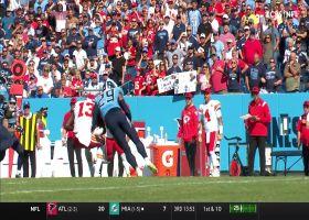 Mahomes floats off-script 23-yard pass to Pringle