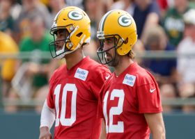 Aaron Rodgers gives advice to Jordan Love at Packers camp