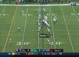 Jalen Richard takes screen pass 18 yards for first down