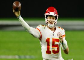 Mahomes finds Kelce for toe-tapping first down