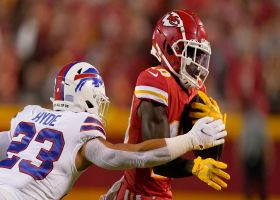 Tre'Davious White gives Tyreek Hill too much space on 12-yard catch and run