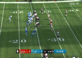 Austin Ekeler breaks loose on 18-yard catch and run