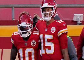 Mahomes connects with Tyreek Hill on quick-step TD