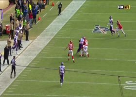 Cousins rips downfield strike to Treadwell in traffic for 26 yards