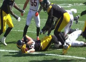 Pat Freiermuth sneaks in behind offensive line for first NFL TD