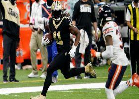 Alvin Kamara finds space for explosive 25-yard dash