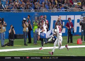 Can't-Miss Play: Danny 'Dola! Amendola makes wild 46-yard grab in traffic
