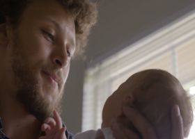 How Phillip Lindsay's dad inspires him in fatherhood now