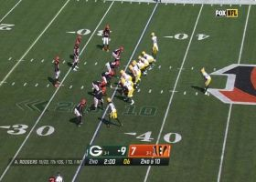 Rodgers fires a seed to Adams for 22-yard pickup