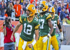 Can't-Miss Play: Rodgers has words for Chicago crowd after clutch TD run