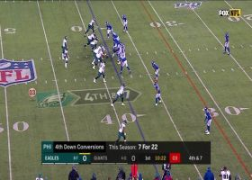 Giants pressure Wentz into fourth-down incompletion for turnover on downs