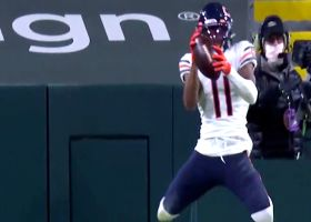 Mooney leaps to snag Trubisky's backpedaling two-point lob