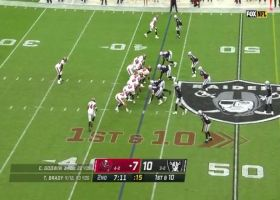 Fournette follows Gronk's block for 24-yard burst