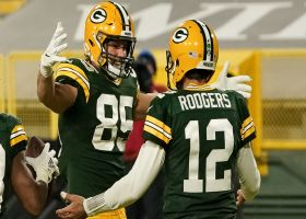 Rodgers' 39-yard TD launch to Tonyan looks effortless