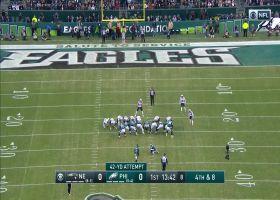 Jake Elliott's 42-yard FG squeaks through the uprights