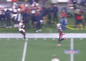 Tom Brady buys time for 28-yard laser to Chris Godwin along sideline