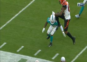 Tee Higgins hurdles defender during 22-yard reception