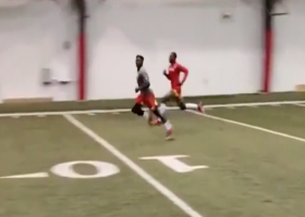 Tyreek Hill and Mecole Hardman race at training camp