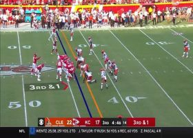 Chiefs motion Blake Bell in to take QB sneak for third-down pickup