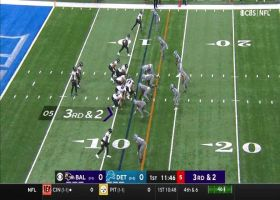 Lions swarm Devonta Freemon for third-down tackle for loss