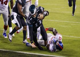 Wentz pinballs in for TD to cap Eagles' 11-play opening drive