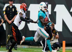 What a Reid! Sinnett identifies coverage bust, lofts 43-yard TD dime to speedy Merritt