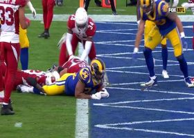 Malcolm Brown punches in a 3-yard rushing TD to give Rams lead