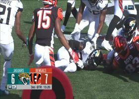 D.J. Hayden chops ball away from Tyler Boyd for key Jags turnover