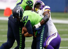 Ifeadi Odenigbo clamps down on Russell Wilson for big-time sack