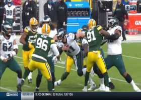 Packers sack Wentz on back-to-back plays to force fourth down