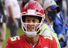 Mahomes reacts to Kyle Long signing one-year deal with Chiefs