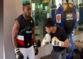 JuJu Smith-Schuster does gut-punch challenge with boxer Ryan Garcia