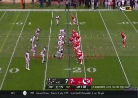 Chiefs' entire OL pushes Le'Veon Bell in pileup for a first down