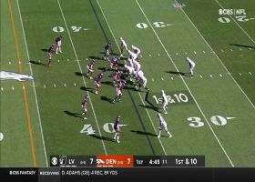 Carr pinpoints Renfrow in stride for 25-yard catch and run