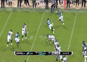 Michael Walker bounces off Eagles' defenders for 25 yards
