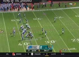 Stafford shows off his wheels on 17-yard third-down scramble