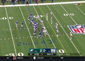 Wayne Gallman breaks through Eagles defense for speedy 17-yard pickup