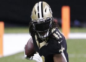 Alvin Kamara fights through arm-tackles on strong 17-yard run