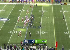 Tate finds space in Seahawks' zone defense for third-down grab