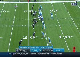 Justin Herbert shows off speed during 14-yard run