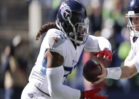 Derrick Henry follows convoy for 15-yard pickup on screen pass