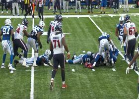 Darius Leonard's heads-up play ends in Texans' fumble